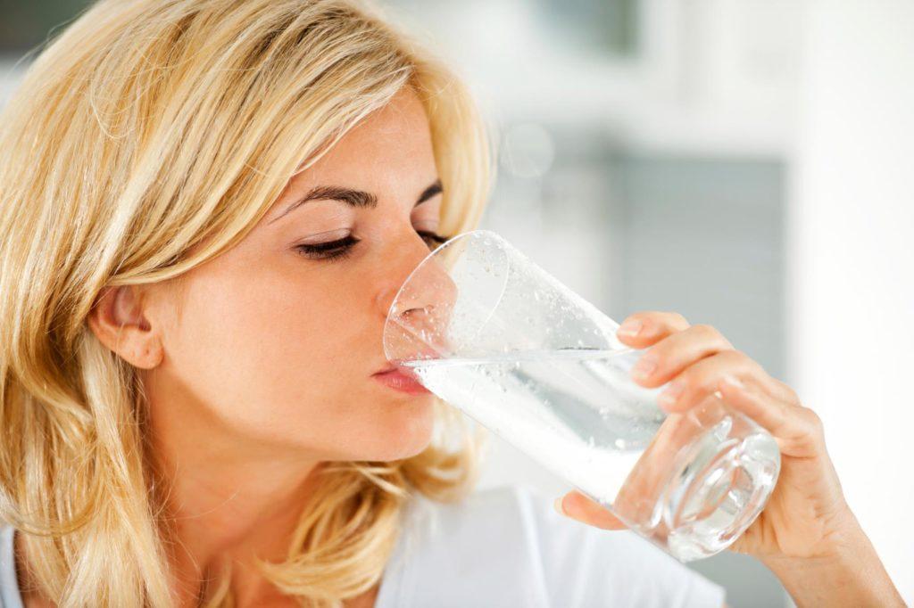 Пить много жидкости