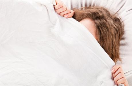 После бани достаточно тепло одеться и скорее забраться под одеяло