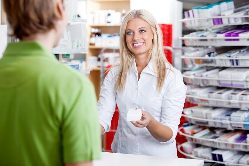 Фармацевты иногда способствуют неграмотному лечению