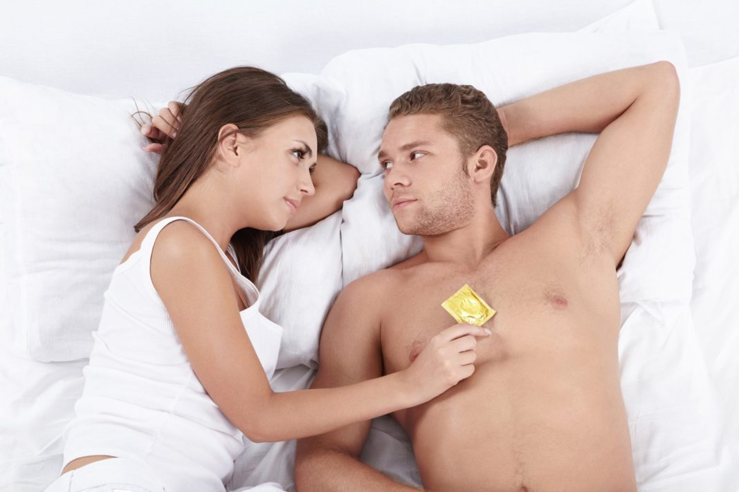 Секс допускается только с презервативом